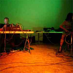 MV Carbon & Philip White  - Live At ISSUE 9/23/10 FLAC download